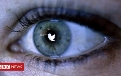 Twitter 'close down millions of phony accounts'